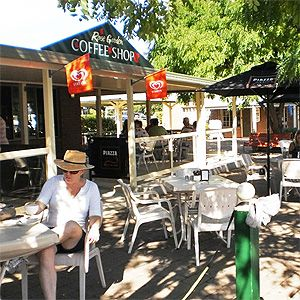 Cowra new south wales restaurants agfg good food and for Food bar blayney