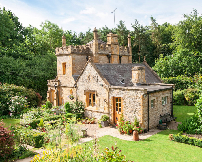 Is this the Smallest Castle in the World?