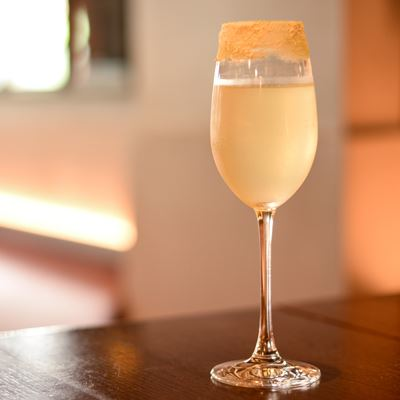 Lovely Libations: 5 Bubbly Cocktails Easily Made at Home