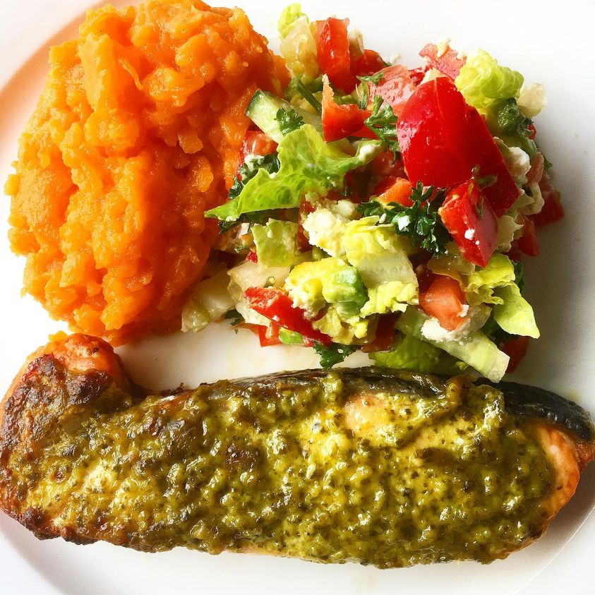 Want to Make Pesto, But Running Out of Thyme? Try This Salmon and Pesto Recipe by Alimentary.
