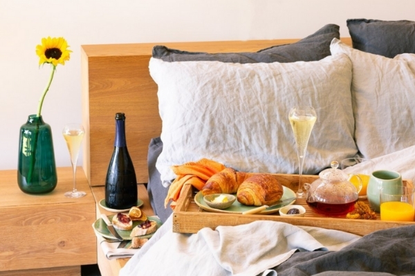 Wakey, Wakey, Eggs and Bakey – Have Breakfast in Bed Delivered to Your Door.