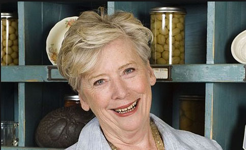 Christmas Holiday Helpers by Maggie Beer