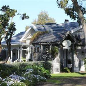 Holmwood Guest House & Cottages