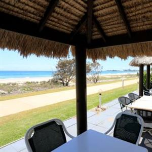 Bilinga Beach Resort