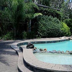 Villa Noosa Hotel Motel