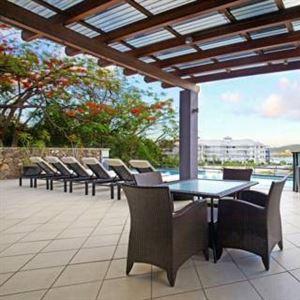 Waterfront Whitsunday Retreat