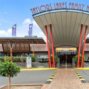 Taylors Lakes Family Hotel