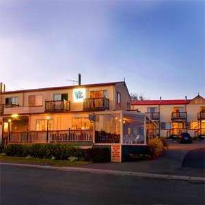 Amos House Hotel & Swansea Ocean Villas