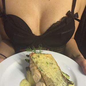 Twin Peeks Lingerie Restaurant