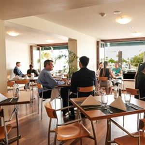 Gusti Restaurant & Bar