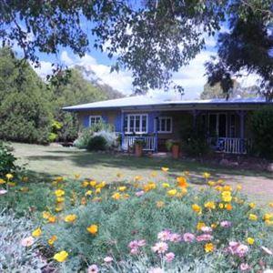 James Farmhouse & Cottages