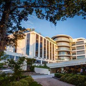 Mantra Charles Hotel