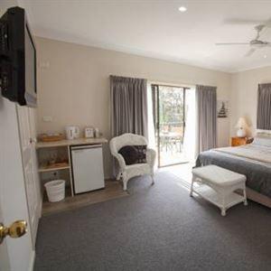 Batemans Bay Manor Bed and Breakfast