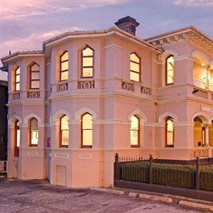 Roxburgh House Apartments