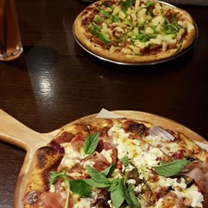 House of Salad Woodfired Pizza Restaurant