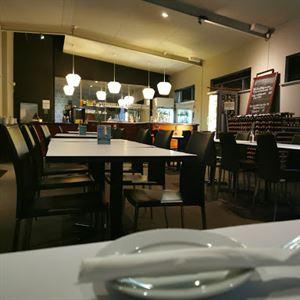South Street Bar + Restaurant