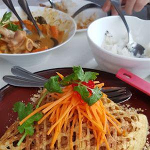 Sumalee Cafe & Restaurant