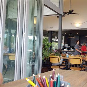 Zephyr Cafe & Kiosk