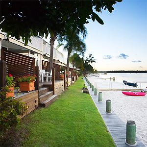 Skippers Cove Noosa Riverfront Accommodation