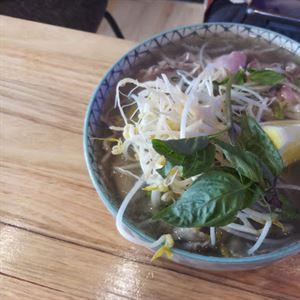 Le Hoang Vietnamese Restaurant