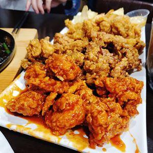 Momo Chicken & Beer