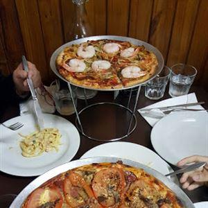 Silvio's Newtown Pizza