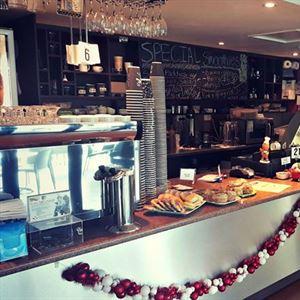 Shakana Cafe Bistro