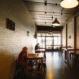 Three-Son's Cafe