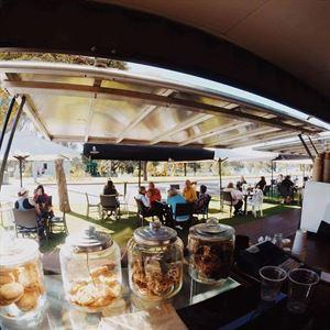 Cafe de Caravan