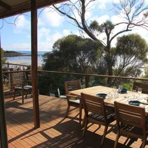 Emu Bay Stay