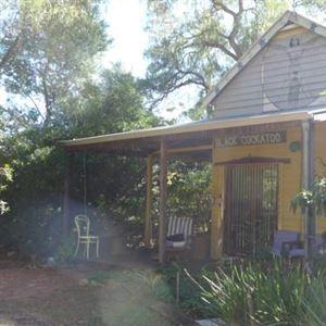 Black Cockatoo Lodge