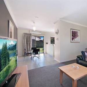 Hamilton Standard Apartment