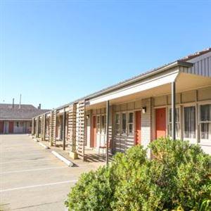 Hotel Canobolas Motel and Units