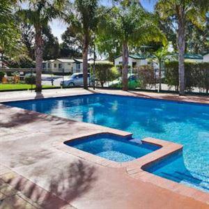 Frankston Holiday Park and Sandhurst Motel