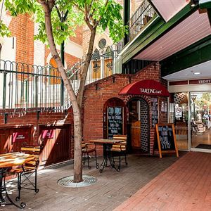 Tartine Cafe Trinity