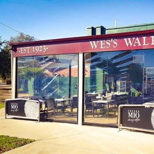 Wes's Walkabout Cafe