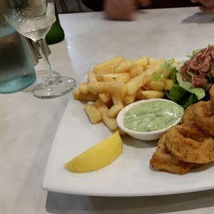 Oscar & Sons Cafe Restaurant