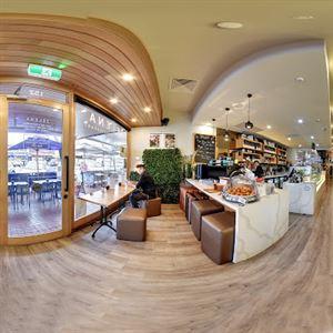 Zelena Cafe Bar & Restaurant