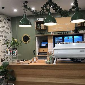 Happy Folk Cafe