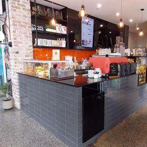 Le Grove Cafe