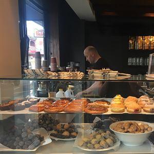 Benjamins Patisserie Bakery Elsternwick