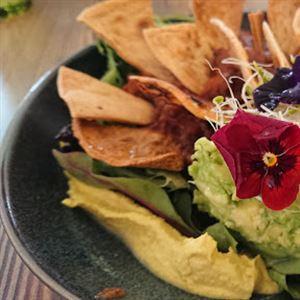 Hummingbirds Natural Pantry & Cafe