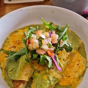 Tres Salsas Mexican Cantina