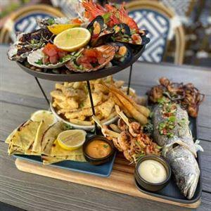 Riverside Bar & Dining