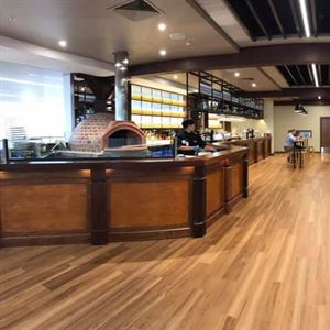 Rattle n Hum Bar and Grill Cairns Airport