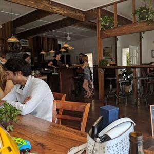 Bandwagon Cafe