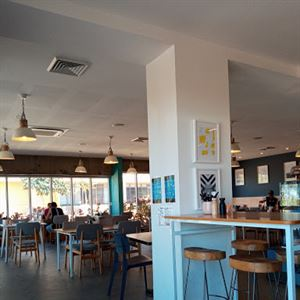 Provedore Cafe
