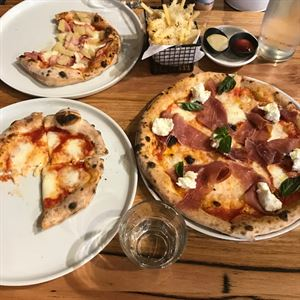 T17 Pizza