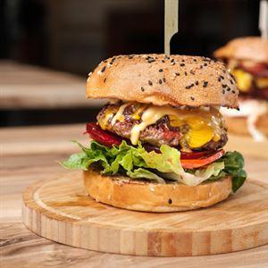 JJ's Chicks & Burgers