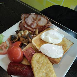 Jorges Cafe on Tulla Park